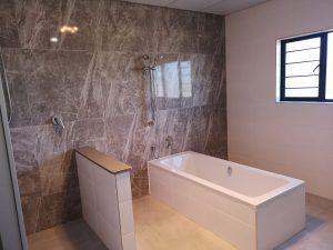 LVC Waterkloof Marina Bathroom