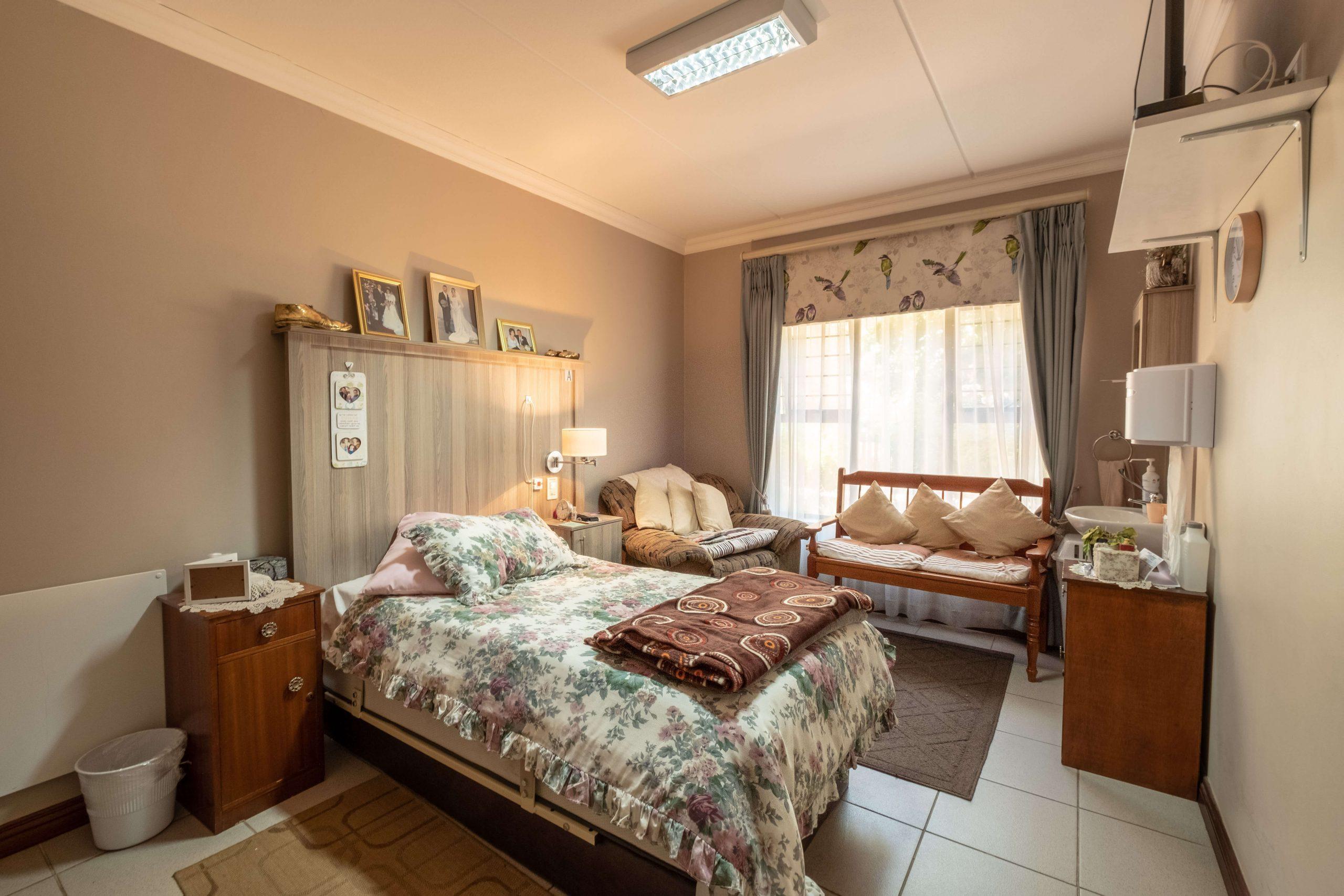 La Vie Care Elmed Single Room